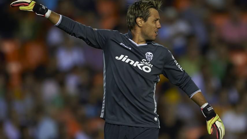 Diego Alves, un mes de baja