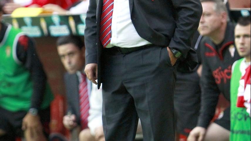 Sandoval deja de ser entrenador del Sporting