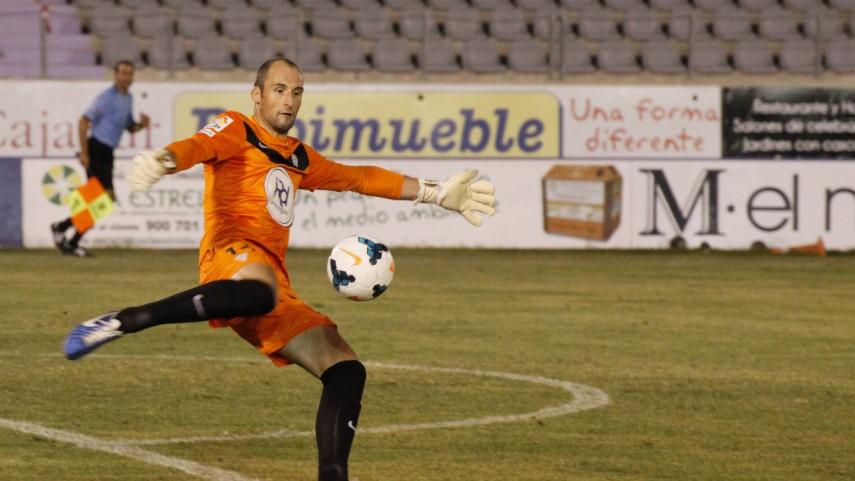 El Córdoba pierde a Saizar durante seis semanas