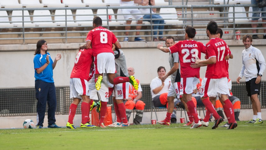 El Murcia y el Lugo persiguen a un destacado Recreativo