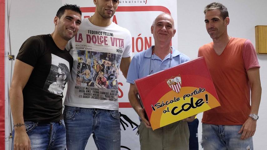 El Sevilla se acerca a los colegios
