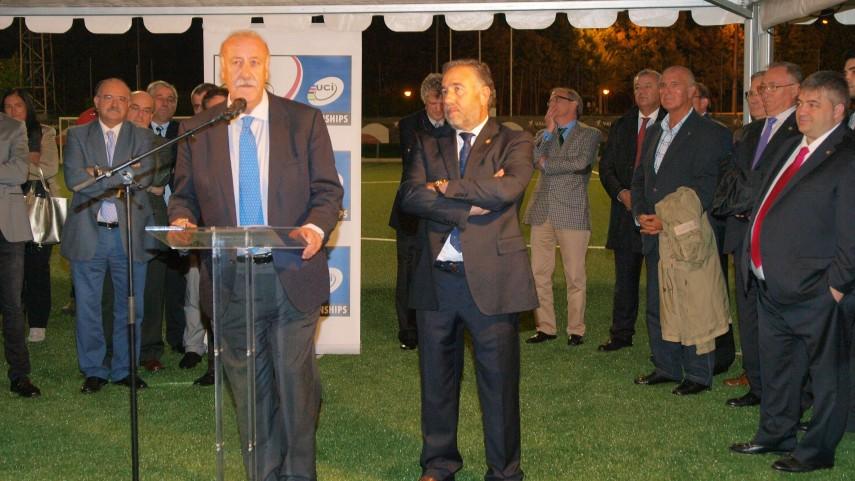 Del Bosque inaugura las nuevas instalaciones de la Ponferradina