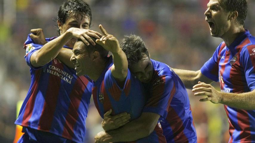 El Zhar renueva con el Levante hasta 2016
