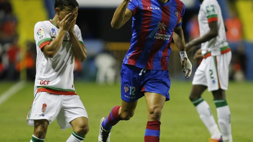 El Levante renueva a Juanfran y Pedro López