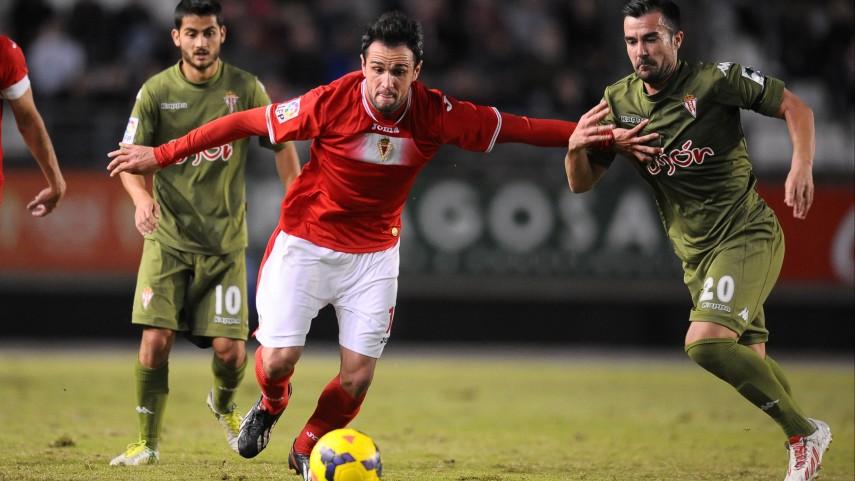 Sporting y Murcia continúan su lucha