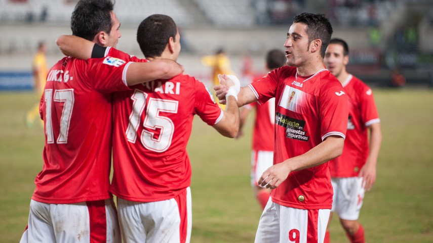 El Murcia se acerca al play-off