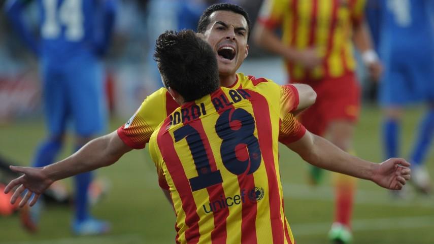 Pedro y Cesc resucitan al Barcelona