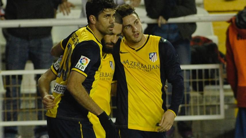 El Atlético impone su ley en Vallecas