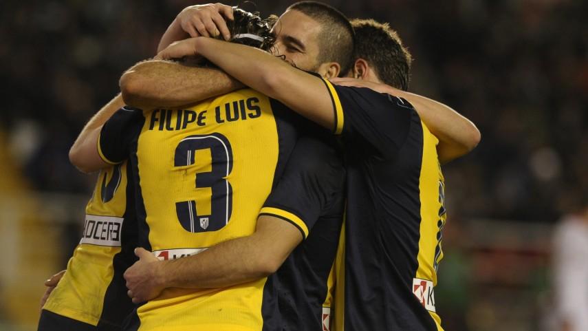 Atlético y Barcelona mantienen el ritmo