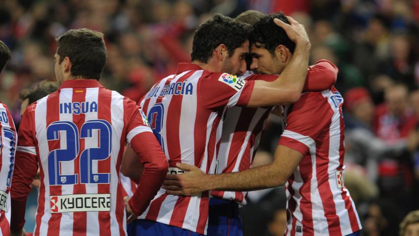 El Atlético, líder en solitario