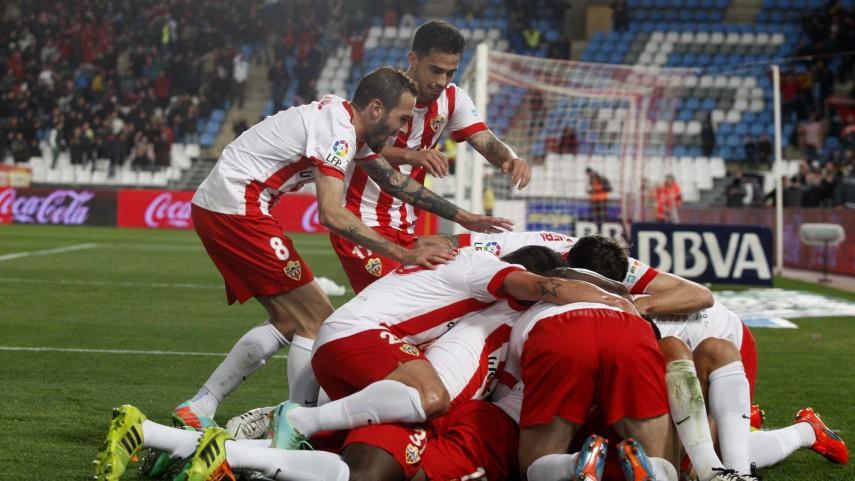 El Almería se hace fuerte en casa