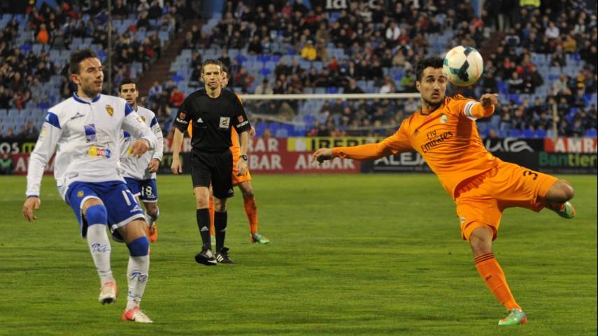 El Eibar se aferra al liderato y el Castilla a la salvación