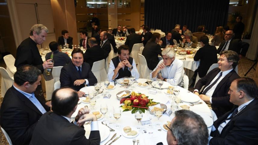 El Foro centra las conversaciones en la cena de la LFP