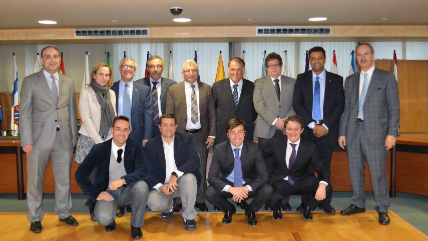 El ministro de Juventud y Deportes de Libia visita la LFP