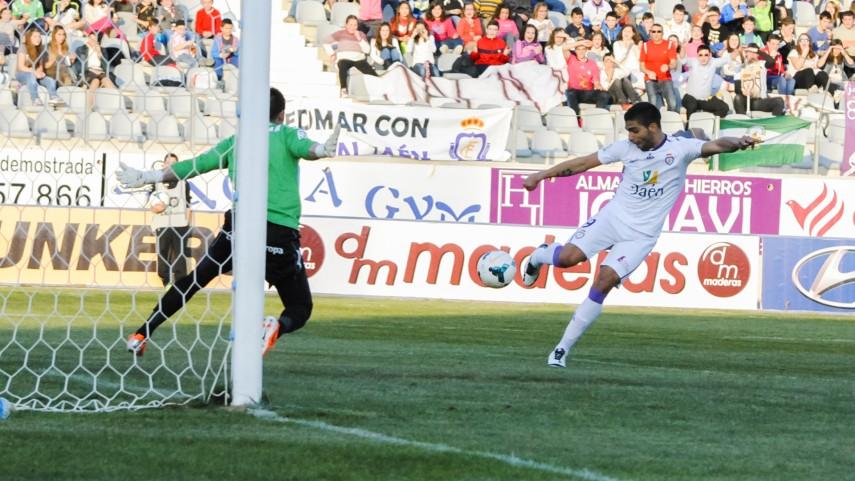 El Jaén sorprende al Sporting