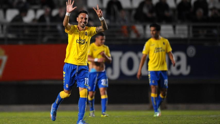 Las Palmas se afianza ante el Murcia