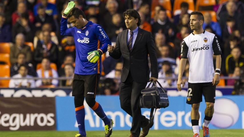 Alves y Víctor Ruiz, lesionados