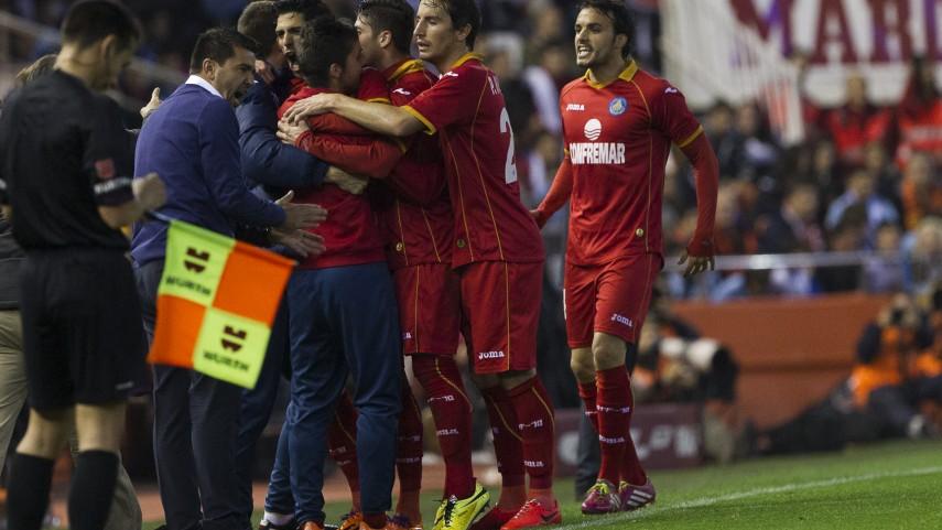 El Getafe recupera la ilusión a costa del Valencia