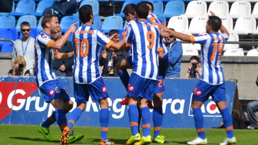 El Deportivo se consolida y el Alavés da la sorpresa
