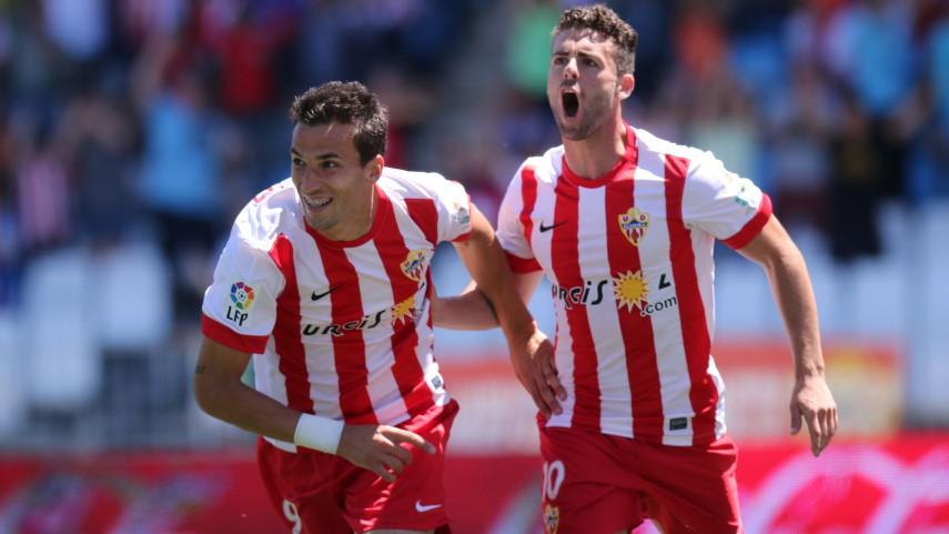 El Almería se aferra a la épica