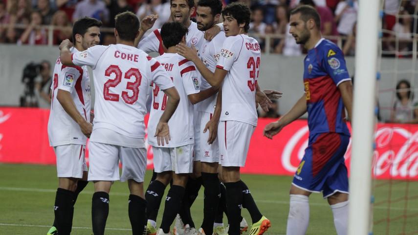 Iborra y Jairo dan el triunfo al Sevilla