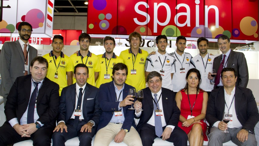 Valencia y Villarreal visitan Vinexpo en Hong Kong