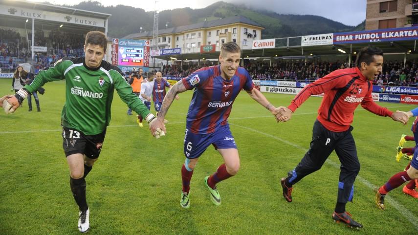 Jon Irazusta, una temporada más en el Eibar