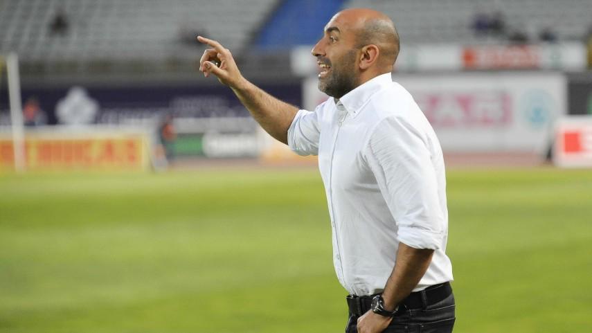 Abelardo renueva dos temporadas con el Sporting