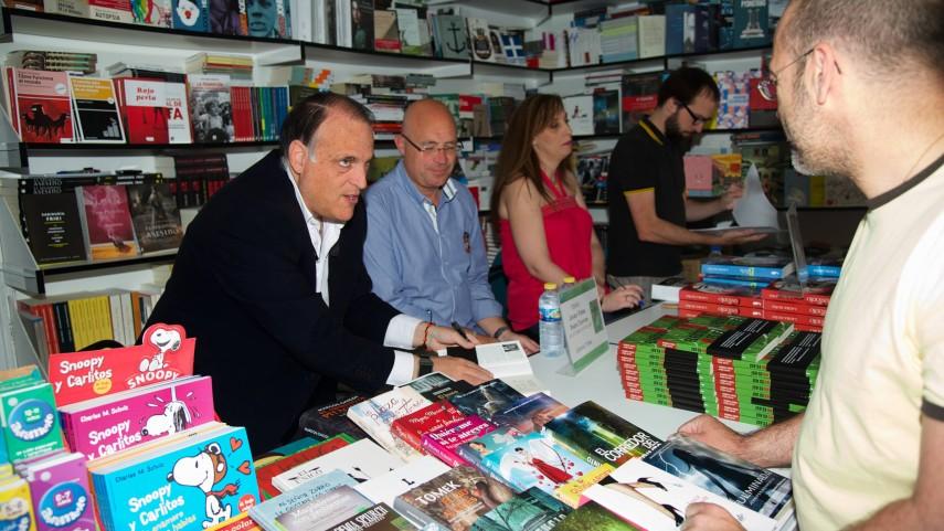 'El fútbol no es así' en la Feria del Libro
