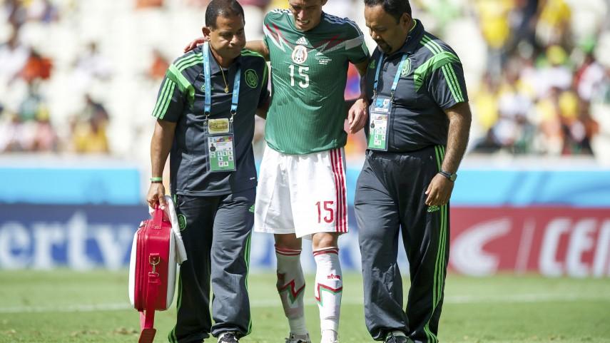 Héctor Moreno se fractura la tibia