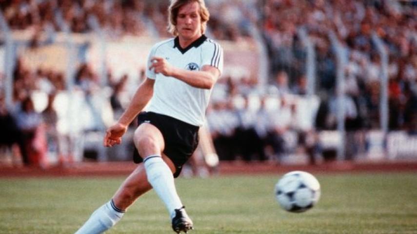 Schuster, el futbolista que rechazó a su selección por su familia