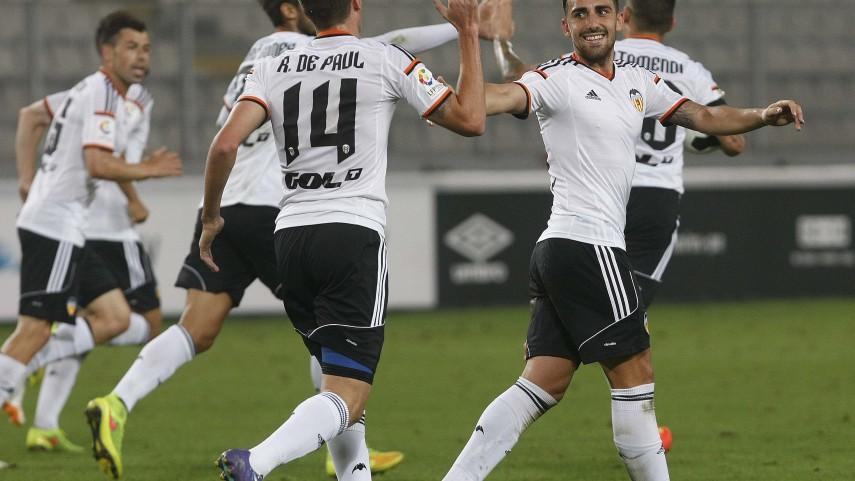 Mustafi, fuerza y garra para la defensa del Valencia