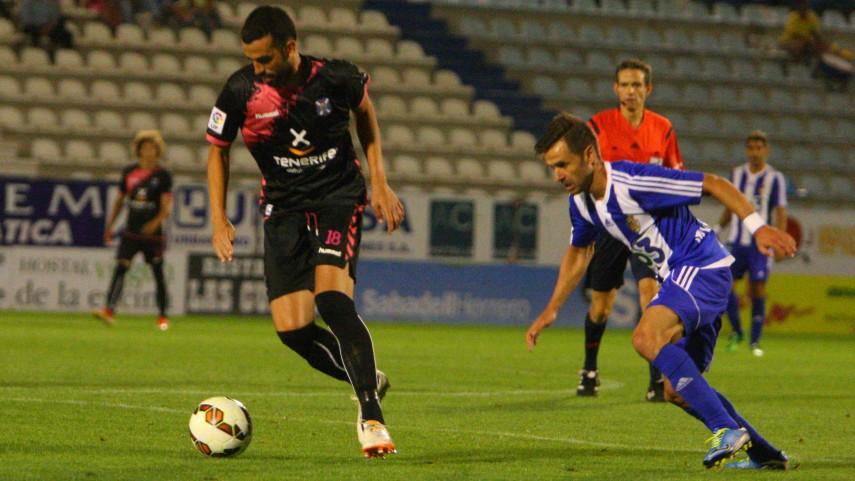 Ricardo León seguirá en el Tenerife