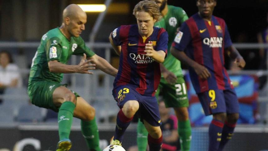 El Barcelona B remonta en el derbi catalán