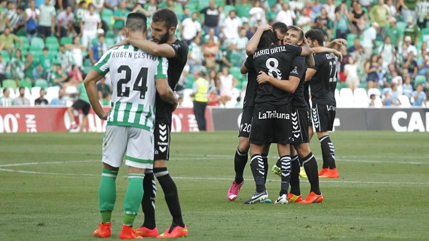 El Albacete conquista el Benito Villamarín