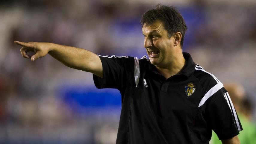 La Ponferradina renueva a Manolo Díaz