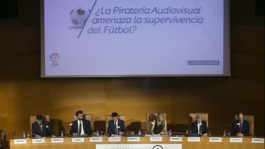 La piratería audiovisual y la supervivencia del fútbol