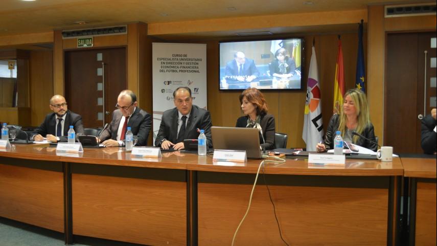 Javier Tebas clausura el curso de experto en Dirección y Gestión Económica-Financiera
