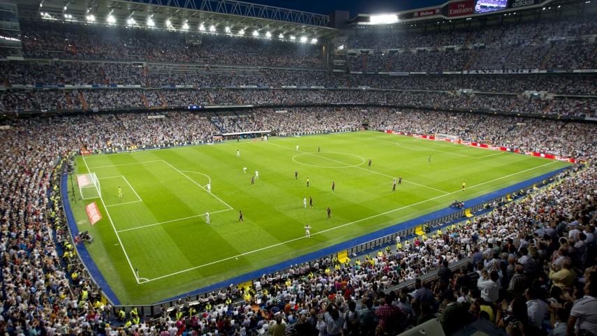 El FC Barcelona - Real Madrid, por primera vez, en las nubes