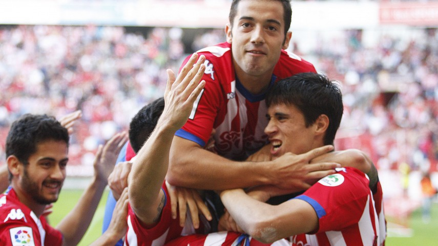 Lora y Castro mantienen invicto al Sporting