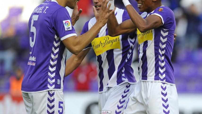 El Valladolid arrebata el liderato al Girona