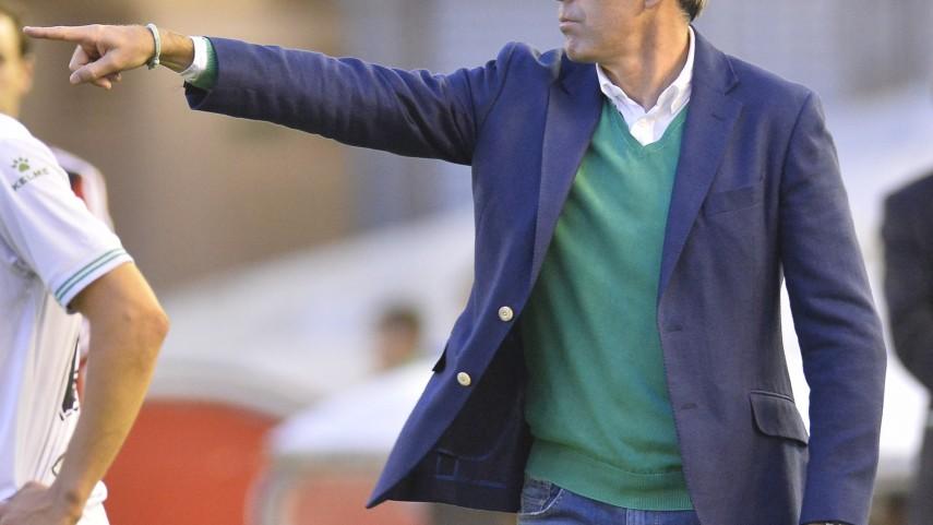 Pinillos sustituye a Paco Fernández en el Racing