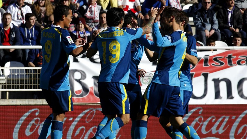 El Sevilla impone su ley en Vallecas