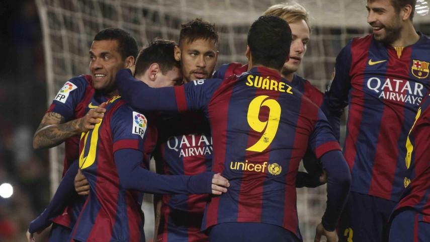 Messi desequilibra el derbi catalán