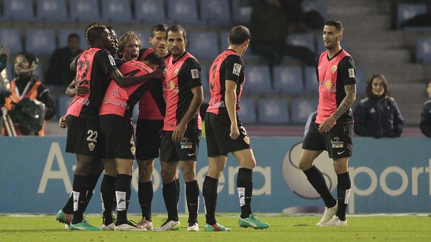 El Almería vuelve a saborear el triunfo