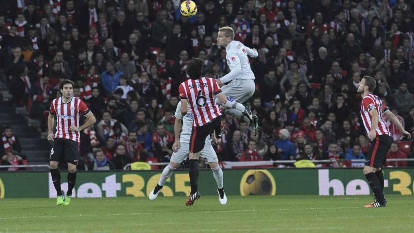 Griezmann frena al Athletic en el último partido del año