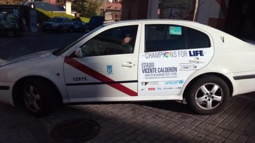 Los taxistas madrileños se suman a la lucha contra el ébola del II Champions for Life
