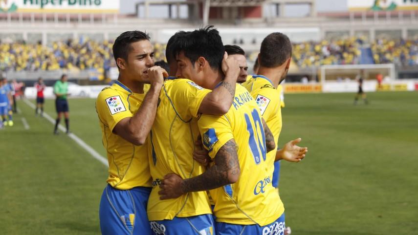 Las Palmas se impone en un partido frenético
