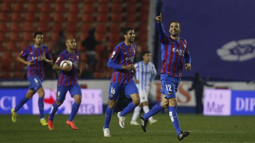 Juanfran y el Levante amplían su relación hasta 2016