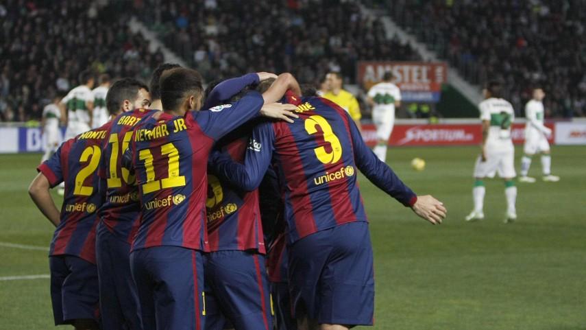 Un Barcelona en alza golea al Elche